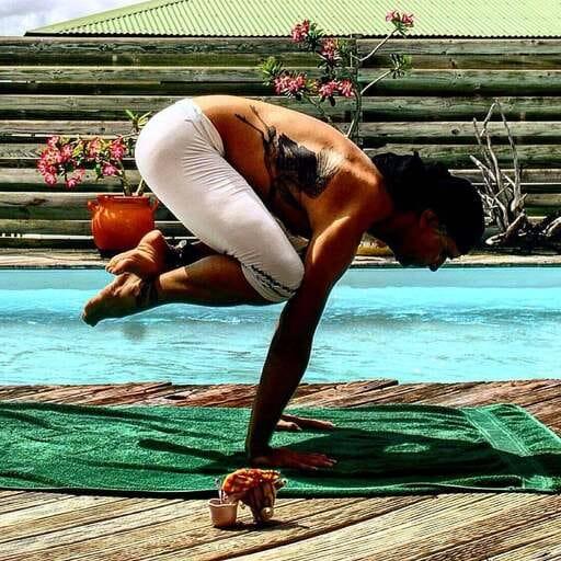 Le yoga pour réunir son corps et son esprit - Olivier Bertrand - Professeur de yoga à Rueil-Malmaison
