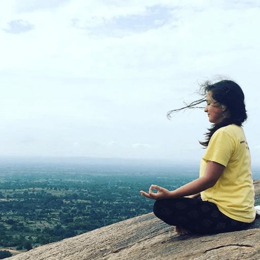 Une approche holistique du yoga avec Palmo Shanti - Tiphaine – Professeure de Yoga à Niort