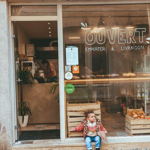 Des produits locaux, une cuisine créative : le pari d'un mode de vie durable - Myriam - Restauratrice et gérante de Gurou café à La Rochelle