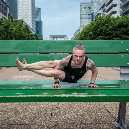 Sacha Herpin : le yoga a changé sa vie ! - Sacha Herpin - Professeur de yoga à Paris