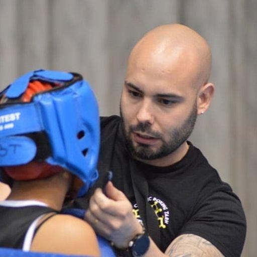 Un entraîneur de boxe pour vous aider à vous surpasser physiquement et mentalement - Nicolas Fernandez - Entraîneur de boxe à Lavaur