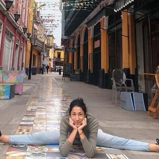 Yoga vinyasa chez Yogaconquinua à Rennes - Victoria Maravi - Professeur de yoga à Rennes