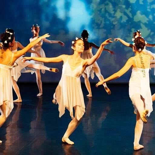 Cours de danse contemporaine et activités bien-être - Sophie Raynaud – Professeur de danse contemporaine à Antibes