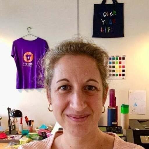 Une fabrique qui propose des ateliers créatifs - Laure - Gérante Créatrice de l'entreprise T-Stook à Noisy-le-Grand