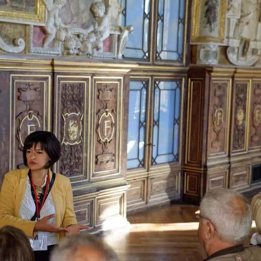 Une guide conférencière indépendante en région parisienne - Arusyak Demmou Melkonyan - Guide touristique vers Melun