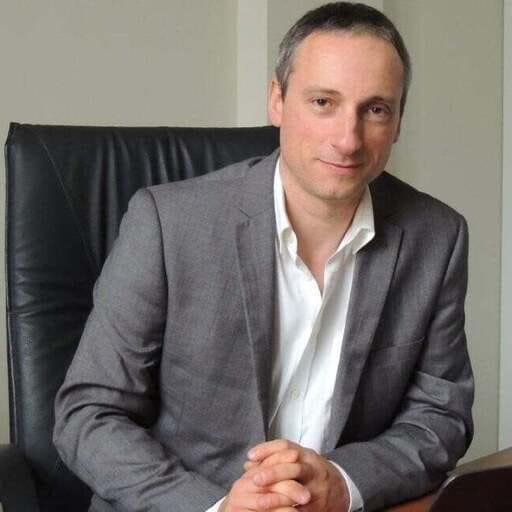 Un professionnel du droit rompu aux juridictions - Avocat et docteur en droit à Niort