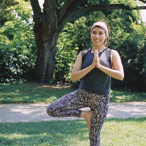 Aider les gens à s'accepter par la pratique du yoga - Laura Arley - Professeur de yoga à Toulouse