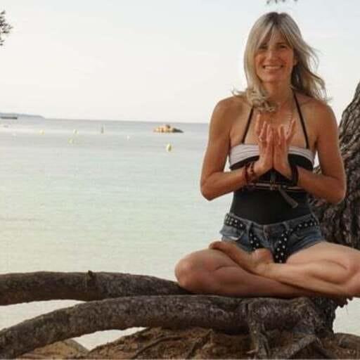 Yoga Vinyasa : être en équilibre dans sa vie par le Yoga - Stéphanie - Professionnel de Yoga à Aubagne
