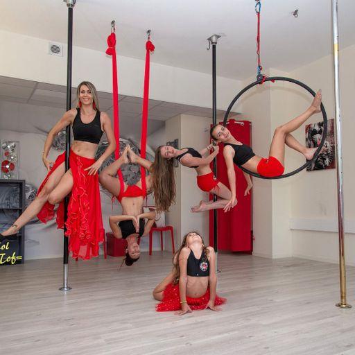 La Pole Dance, un sport où l'on pousse toujours ses limites - Océane Curtelin - Professeur de Pole Dance à Chambéry