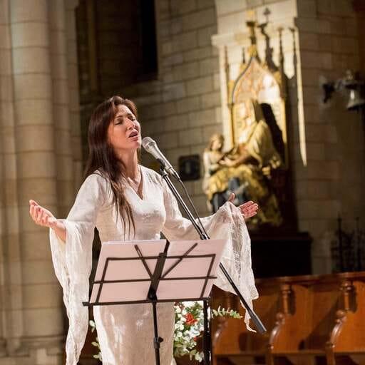 Apprendre à chanter avec sa voix et ses émotions - Tissia Louis - Professeur de chant sacré dans le Gard