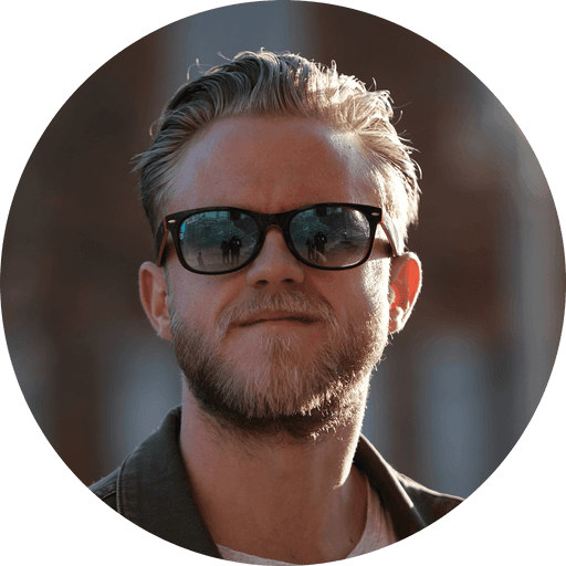 L'amitié au coeur d'un nouveau projet - Anthony Coppin - Chef de projet Agence de communication à Albi