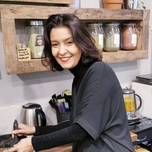 Prenez soin de vos cheveux avec les salons de coiffure bio - Samira Faghor - Coiffeuse bio à Paris