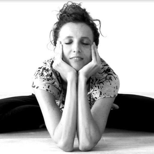Voir la vie d'un œil plus serein grâce au yoga - Fanny Debruyne - Professeur de yoga à Lille