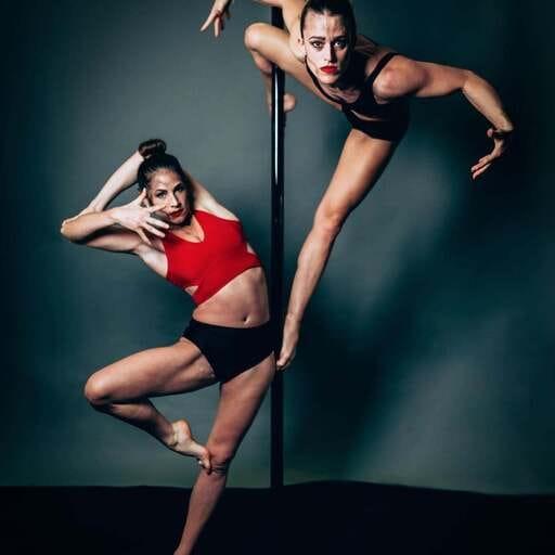 La pole dance accessible à tous - Marion B. - Professeur de pole dance à Dijon