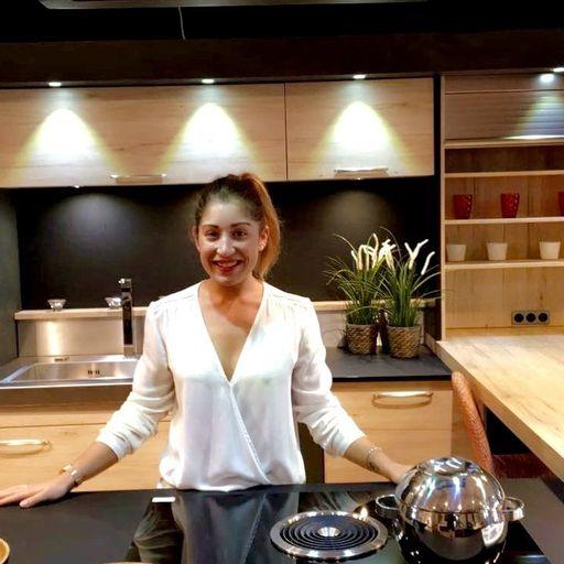 Vendre l'authenticité et le savoir-faire d'un cuisiniste familial - Nathalie Stern - Commerciale pour un fabricant de cuisines et de cheminées à Toulouse