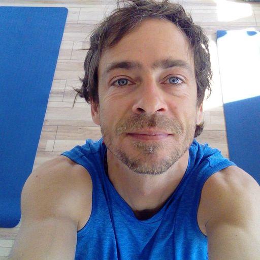 Cours de Hatha Yoga personnalisés - Cédric Breuze - Professeur de Yoga à Grenoble