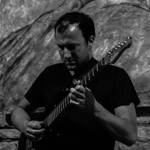 Cours de guitare à la carte - Lionel Moreau et Nicolas Stochl - Professeurs de musique à Dijon
