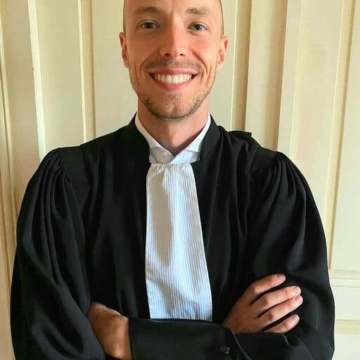 Résoudre des litiges en totale confiance avec son avocat - Valentin Riche - Avocat à Montbéliard