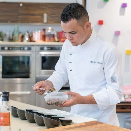 Voyages culinaires offerts à domicile - Michel Hélène - Chef cuisinier indépendant à Paris