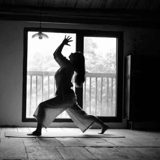 De la Chine à la France avec le yoga pour seul bagage - Li Hua Meng Delort - Professeure de yoga à la Seyne sur mer