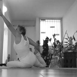 Jayaji yogini de l'Ile de la Réunion - Nelly JOREZ - Professeure de Yoga à Saint Denis